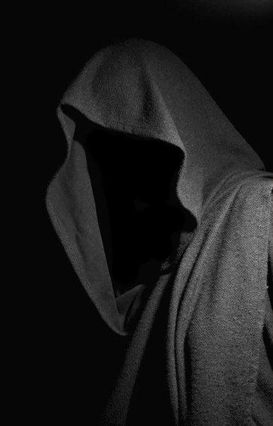 the black veil how does dickens El velo negro the black veil charles dickens (1812-1870) una velada de invierno, quizá a fines de otoño de 1800, o tal vez uno o dos años después de aquella fecha, un joven cirujano se hallaba en su despacho, escuchando el murmullo del viento, que agitaba la lluvia contra la ventana, silbando sordamente en la.