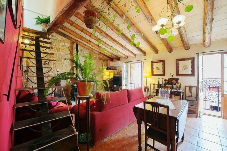 Santa Catalina Apartment  - Diese geschmackvoll renovierte Wohnung mit Meerblick-Dachterrasse liegt in einer ruhigen Strasse von Santa Catalina, Palma de Mallorca.        Preis: 425.000 Euros