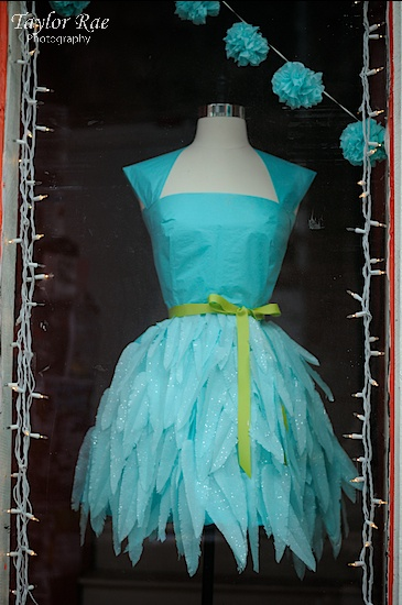 tissue paper dress. so fun!