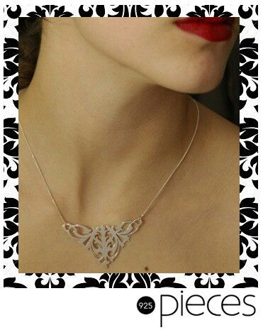 Add this gorgeous necklace to enhance any outfit!