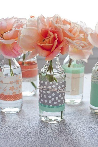 Garrafas e potes de vidro como centro de mesa - Mulherando: