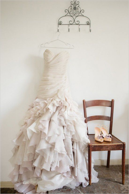 Strapless and ruffled wedding gown. Dress Design: F. Wilson ---> http://www.weddingchicks.com/2014/05/22/rustic-dreamy-dutch-wedding/