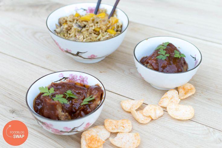 Makkelijk recept voor zelfgemaakte ajam pangang, kip in zoetzure saus. Een…