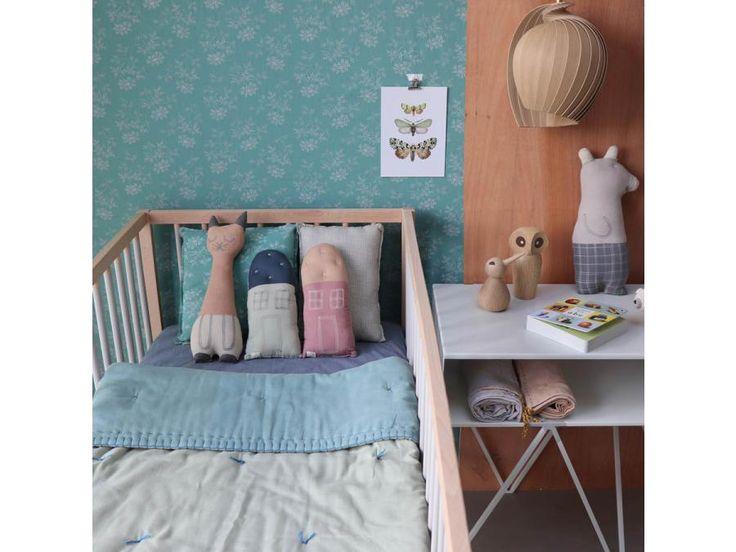 Camomile London - Drap housse imprimé petits carreaux bleus - 60 x 120 cm #paris #baby #babygirl #babyboy #fashionkids #puériculture #bebe #bébé #maternité #listedenaissance #naissance #cadeaunaissance #futuremaman #grossesse #enceinte #jeu #jouet #enfant #activité #deco #kids #babyroom #kidsroom #camomilelondon #lingedelit #babyroom