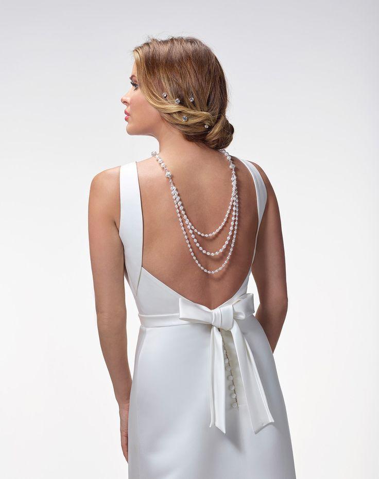Een prachtige accessoire voor een jurk met een lage rug!