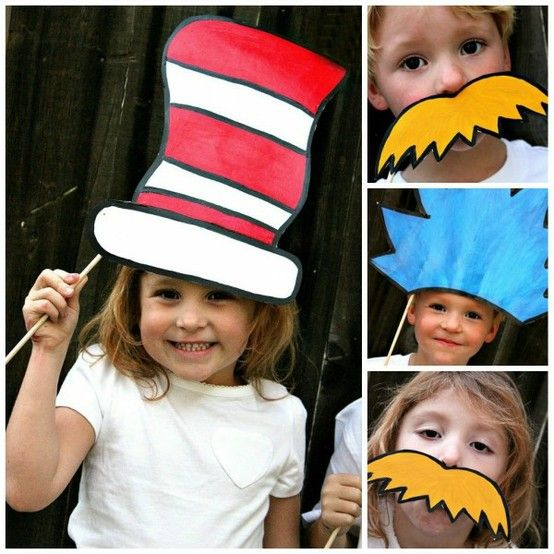 read across america day props for photo booth!