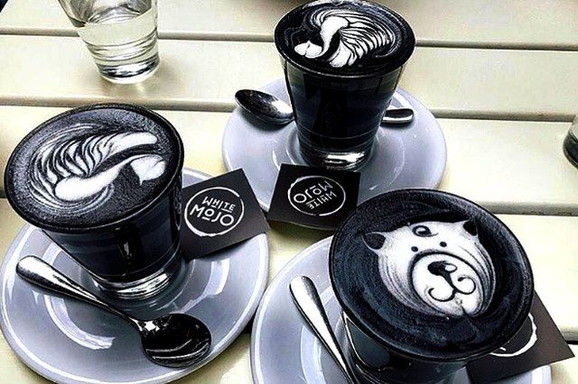 «Goth latte», η νέα τάση... στον καφέ: «Black» in «black coffee». Η νέα τάσηστα μενού των καφέ σε Ηνωμένο Βασίλειο, Αυστραλία και Ιαπωνία…