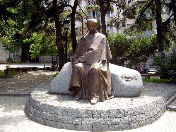 Shevchenko Monument in Tbilisi, Georgia. Національний музей Тараса Шевченка