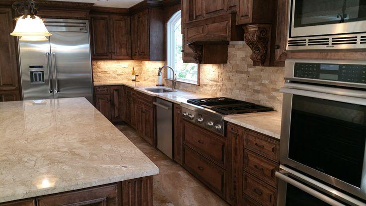 Kitchen Backsplash With White Cabinets And Black Granite