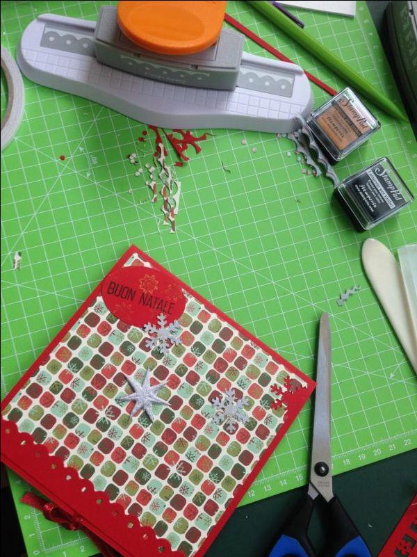 Lo scrapbooking: il magico mondo delle decorazioni con la carta. Facciamo un biglietto di auguri tutto scrap per imparare alcune tecniche di base. QUANDO: giovedì 24 novembre ore 20.30 sabato 26 novembre ore 11 COSTO: 25€ a persona #scrapbooking