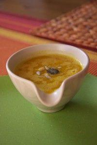 Exotická dýňová polévka s jablky a zázvorem