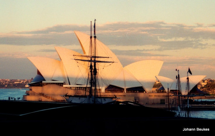 We love this pic of the Opera House in Sydney.