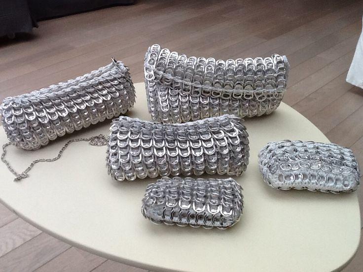 Tas gemaakt van lipjes van blikjes