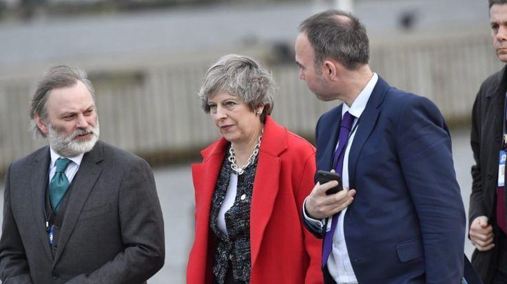 O governo liderado por Theresa May concordou esta terça-feira em aumentar a oferta financeira à União Europeia para acelerar o processo do Brexit. A retirada está prevista para março de 2019.