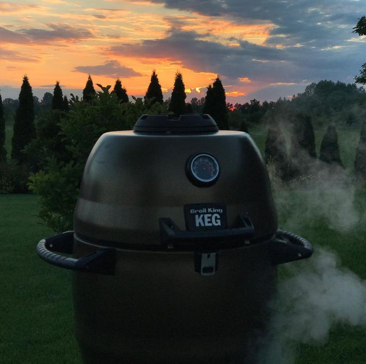 Bo w życiu piękne są tylko chwile #broilking #broilkingkeg #broilkingpolska #broilkingbbq #grill #grillowanie #wolowina #steaknight #sunset #foodporn #love