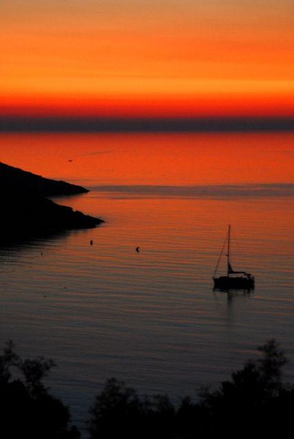 Photo : Flamboyant,  France, Couchers de soleil, Météo, Crépuscules / Aurore, Corse, Galeria. Toutes les photos de Eric Jehl sur L'Internaute