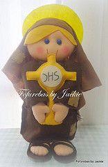 Santa Clara de Assis (Fofurebas - By Jackie) Tags: felt santaclara feltro bonequinhas religioso decoraoinfantil santinhos enfeitedemesa decoraodemesa decoraodefestas