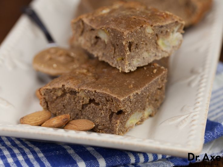 This Almond Butter Banana Protein Bars recipe is high in protein and still a tasty treat. They're easy to make, healthy and delicious!