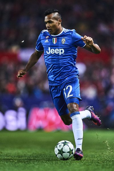 Alex Sandro of Juventus in action during the UEFA Champions League match between Sevilla FC and Juventus at Estadio Ramon Sanchez Pizjuan on November 22, 2016 in Seville, Spain.