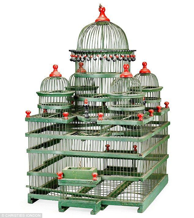 Another unusual item is a French birdcage from the late 19th to early 20th Century (estimate: £700-1,000)