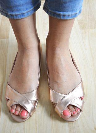 Kaufe meinen Artikel bei #Kleiderkreisel http://www.kleiderkreisel.de/damenschuhe/ballerinas/133623286-glanzende-ballerina-von-pimkie
