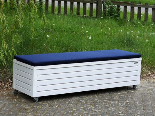 sitztruhe ikea ikea truhenbank k chenbank holzbank. Black Bedroom Furniture Sets. Home Design Ideas