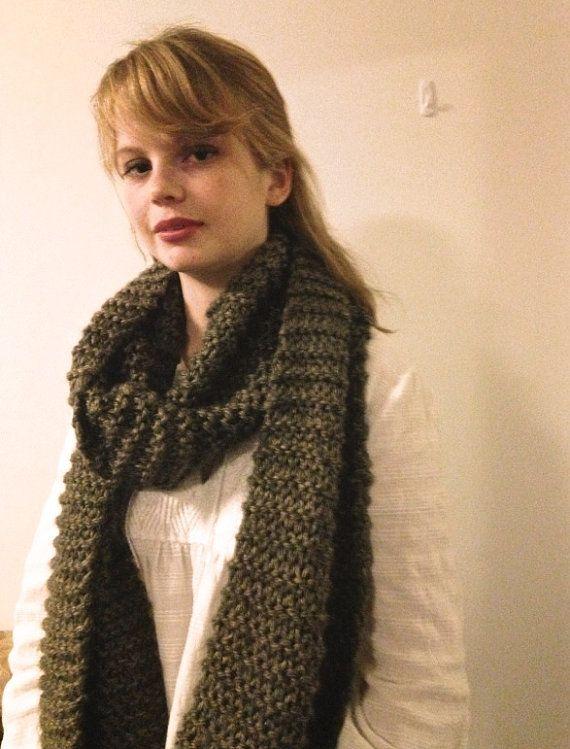 100% Wool Handmade Handknit Grey Scarf. Very Bulky and Chunky, Oversized. Minimalist and Modern