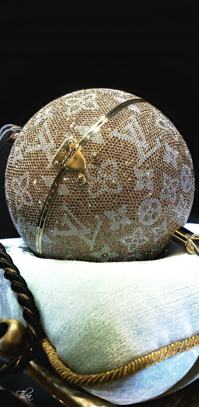 Louis Vuitton (spherical)