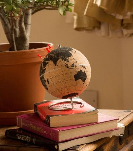 Petit globe en liège