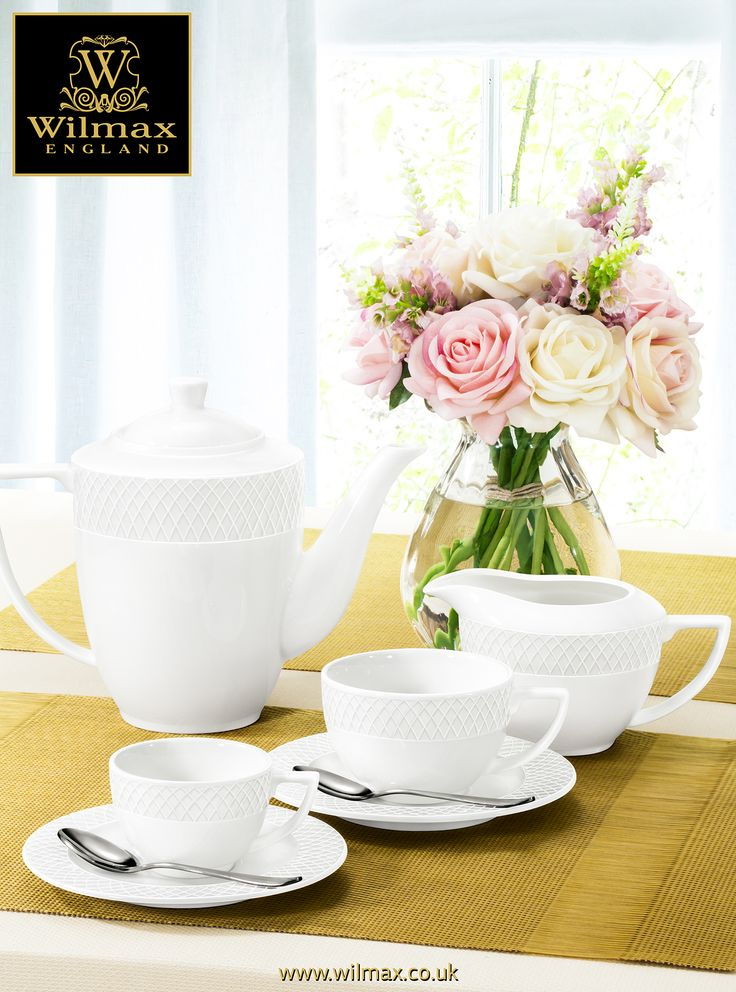 TABLE SETTING WITH WILMAX Coffee serving