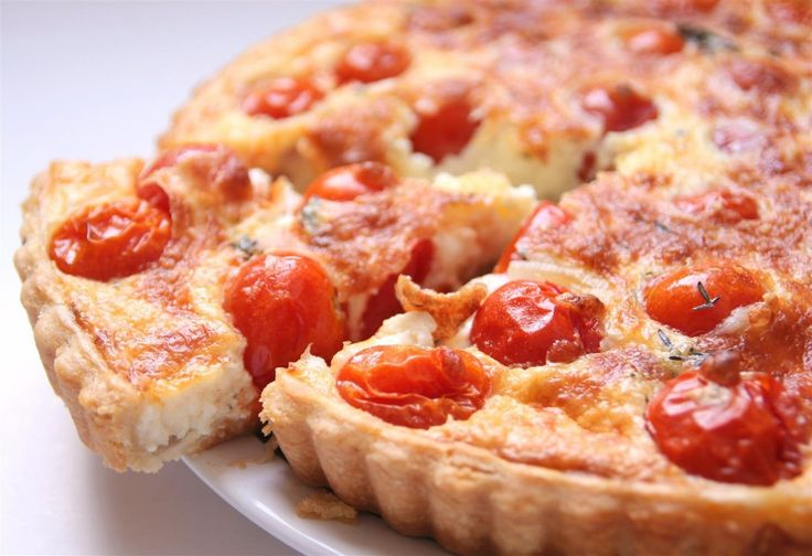 קיש עגבניות שרי ומוצרלה