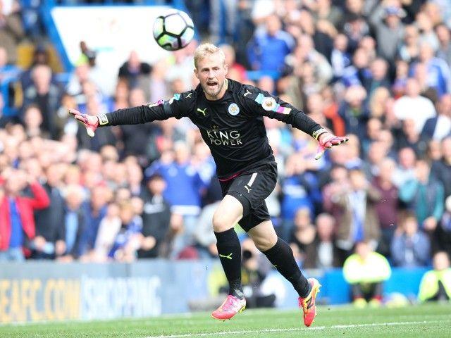 Leicester's Claudio Ranieri hopeful Kasper Schmeichel will return at Christmas