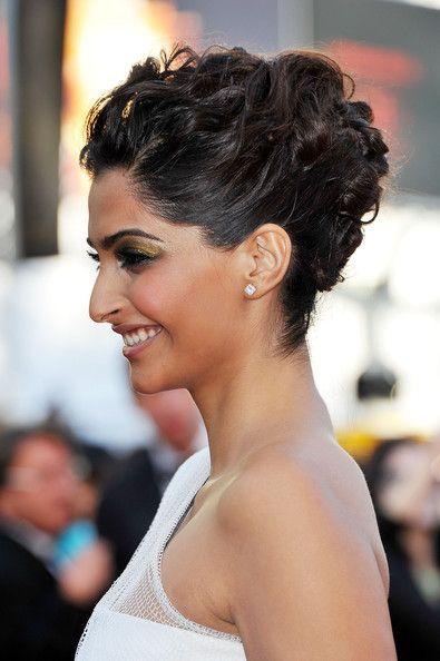 Sonam Kapoor Pinned Up RingletsHair Ideas, Wedding Hair, Beautiful, Kapoor Pin, Sonamkapoor, Formal Hairstyles, Hair Style, Hair Sonam Kapoor, Sonam Kapoor Hairstyles