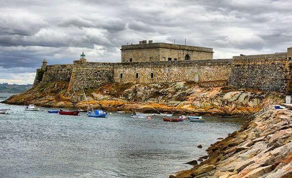 """""""Castillo de San Antón"""" Fortaleza y Defensa de la ciudad de La Coruña reconvertida en Museo."""