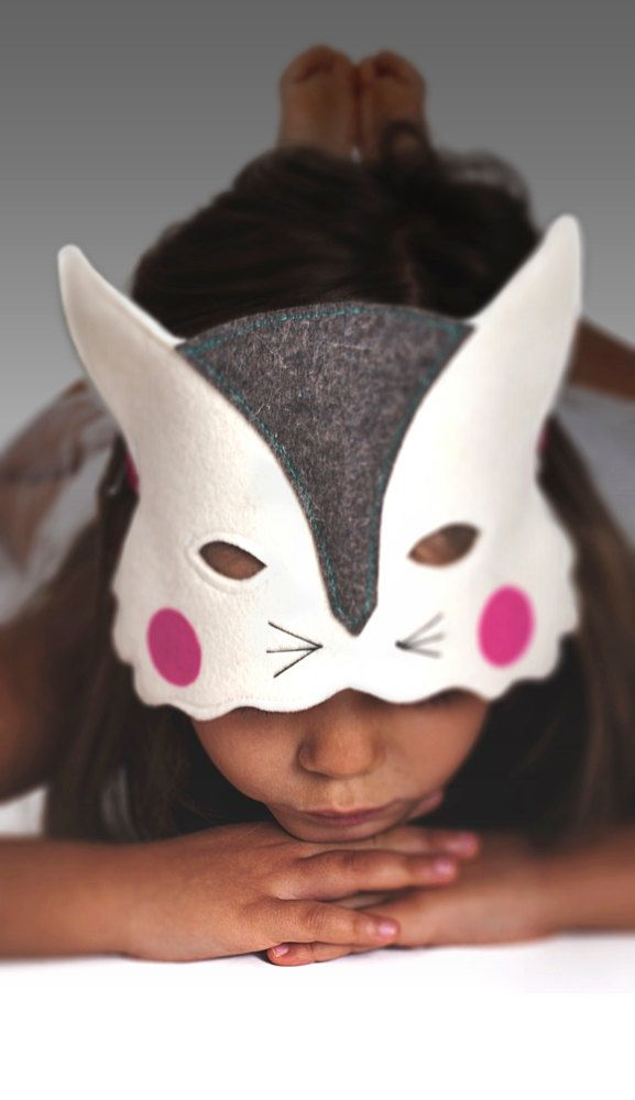 Cat felt mask for kids - lots of animal masks on this link!