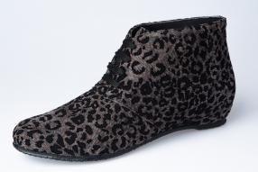 REBAJAS SPIFFY. Calzado hecho en España.  #madenspain #calzado #zapatos #spiffy #botines #animalprint #rebajas