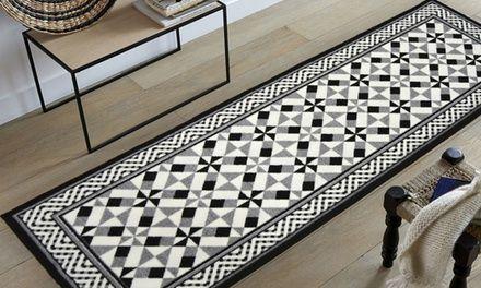 Ce tapis imitation carreaux de ciment est disponible en plusieurs modèles, coloris et dimensions au choix