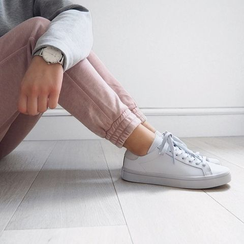 Put a spring in your step  #sneakers #fashion #blogger #white #pink #outfit