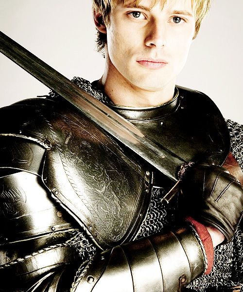 I may be a geek cause I found this in the geeky part lol but this is Arthur pendragon lol he's in the series Merlin :D but I don't get to finish it yet lol :(