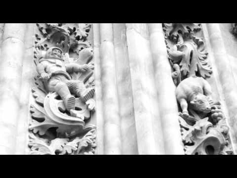 Un astronauta gótico en la Catedral de Salamanca
