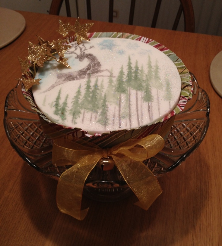 Christmas cake decorated a la Tim Holtz using food colouring.