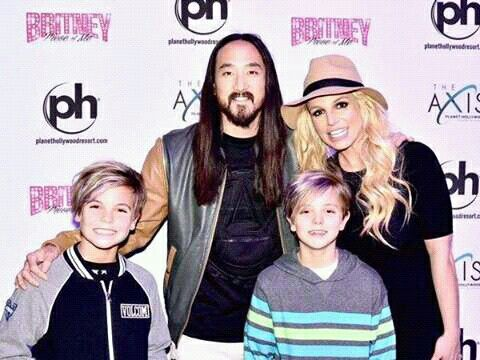 Britney & Sean & Jayden No Meet & Greet 27.12.15