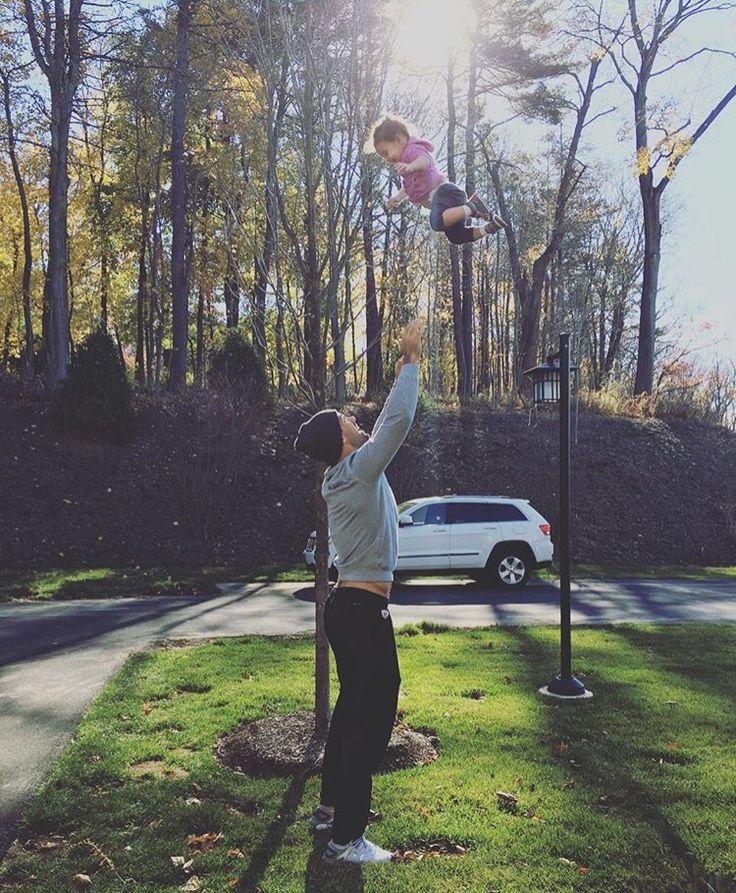 Jessie James Decker baby Vivi and Eric