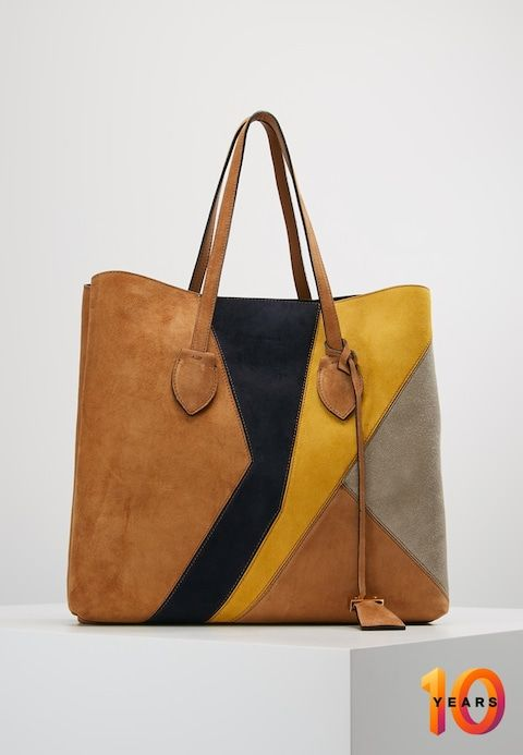 ad200497f1 Coccinelle EXCLUSIVE CELENE PATCH - Tote bag - cuir/bleu/spark/seashell -  Zalando.co.uk