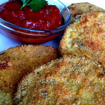 """Better than Fried"" Eggplant Parmesan Appetizers - I actually made this last night with the first egg plant from my garden. If not for Pinterest I wouldn't have had a clue what to do with that pretty vegetable. It was really good. BBJ"