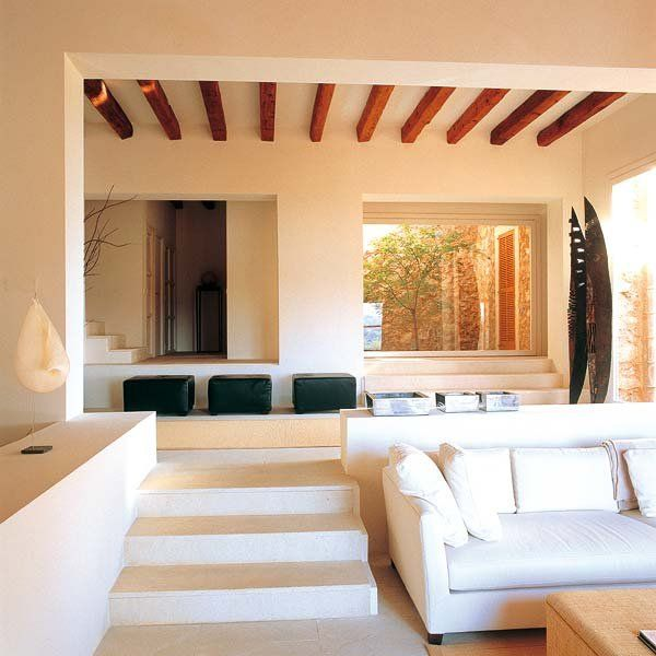 Majorcan house features a blending of rural spirit and modernity