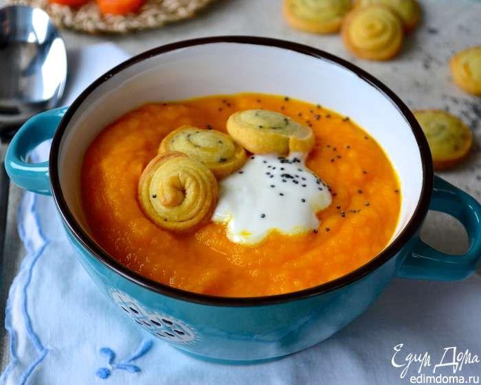 """Подавать крем-суп, разложив по тарелкам, украсив ложкой йогурта и песочными """"сухариками""""! Приятного аппетита и хорошего весеннего настроения! ;)"""