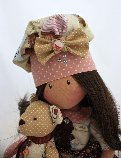 Los hombres hechos a mano.  Feria Masters - muñeca textiles hechos a mano `Charlotte` vende.  Hecho a mano.