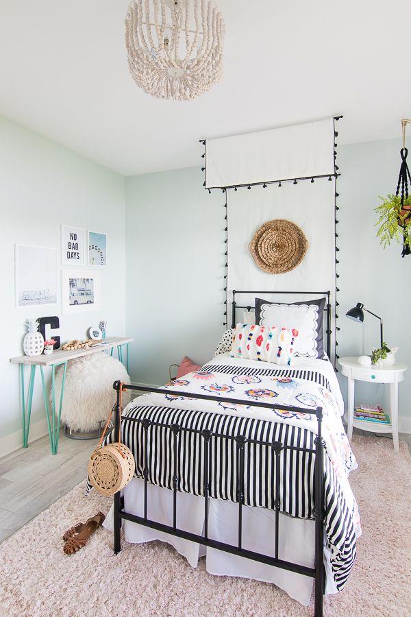 Tween Girl Beachy Boho Bedroom With Images Tween Girl Bedroom