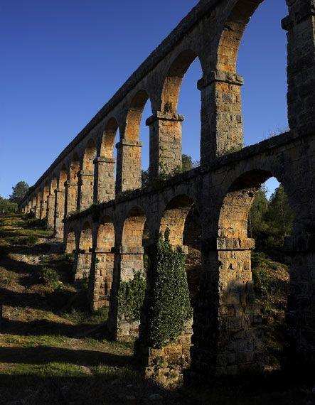 Roman Aqueduct, Tarragona, Spain http://www.descobrir.cat/ca/galeria-imatges.php?IDG=41=5949